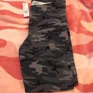 NY&C camo leggings